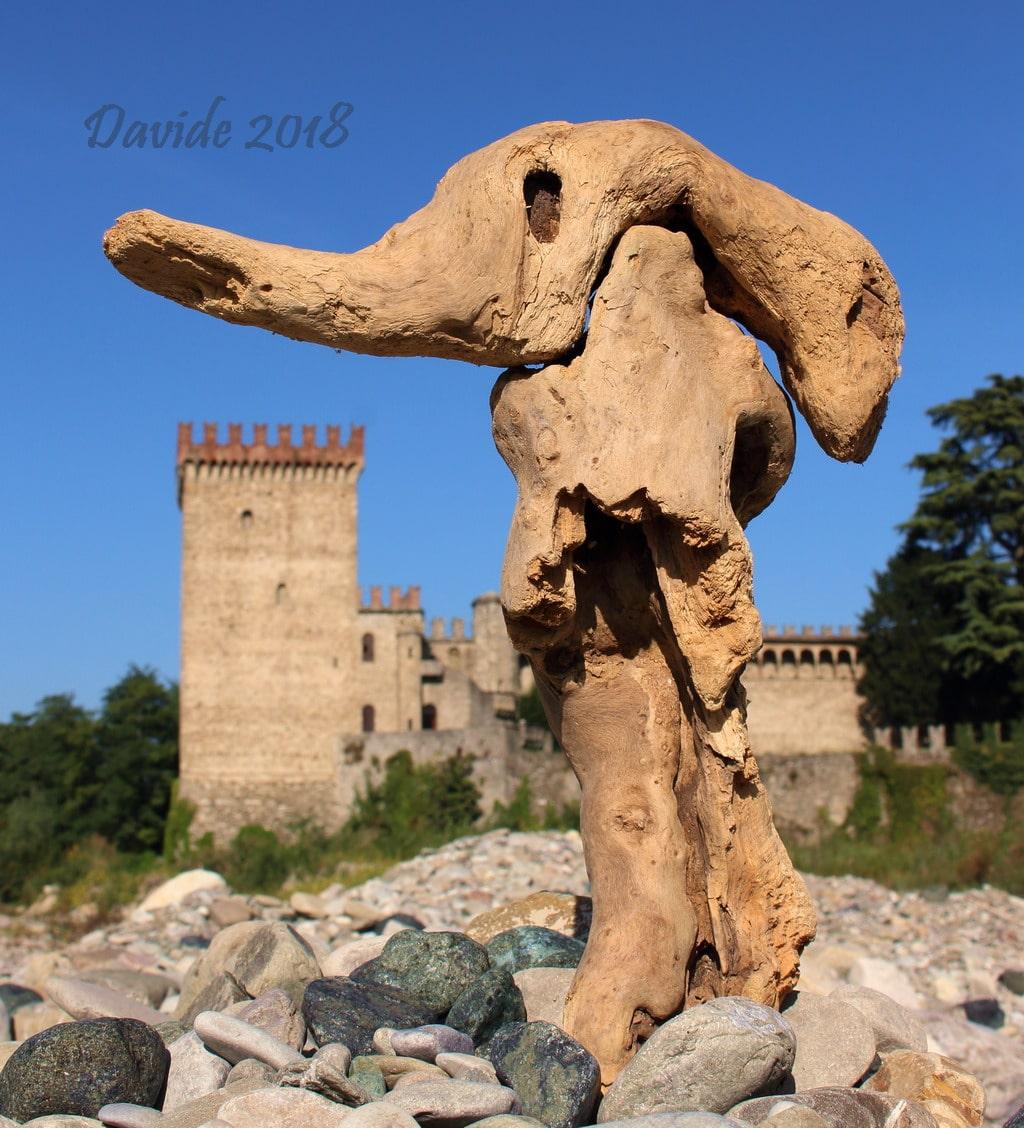 """Davide, """"Forme sfuggenti #16 – Castello di Riva"""", Ponte dell'Olio (Piacenza, Emilia-Romagna – Valnure, Italia), settembre 2018. © Davide Tansini"""