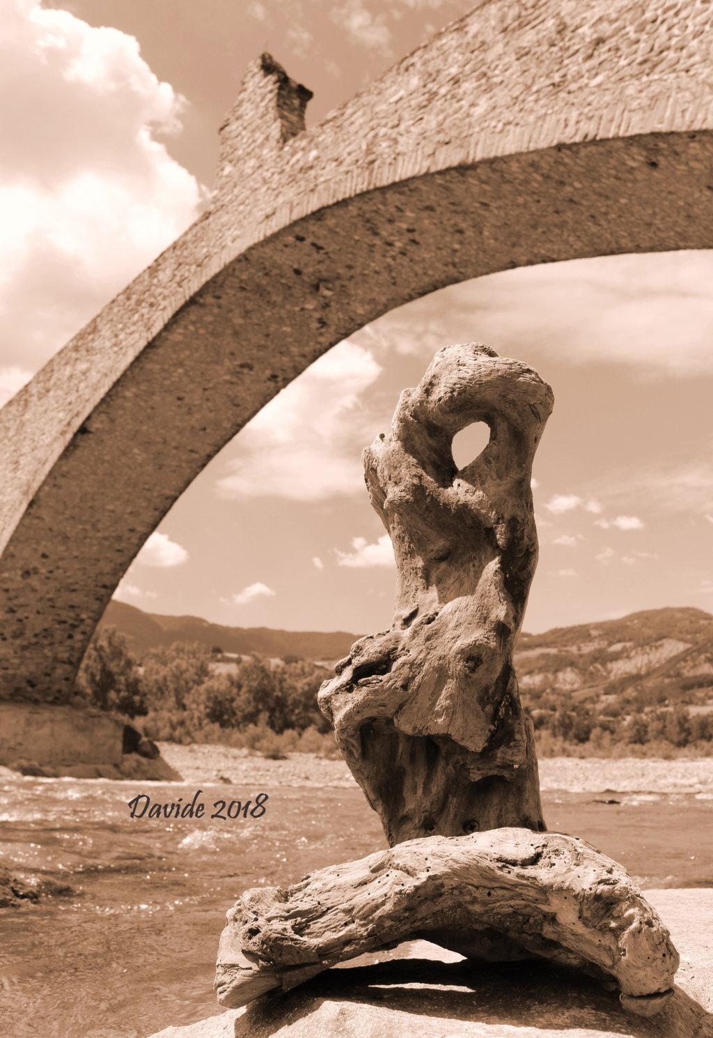 """Davide, """"Forme sfuggenti #8 – Ponte del Diavolo"""", Bobbio (Piacenza, Emilia-Romagna – Val Trebbia, Italia), giugno 2018. © Davide Tansini"""
